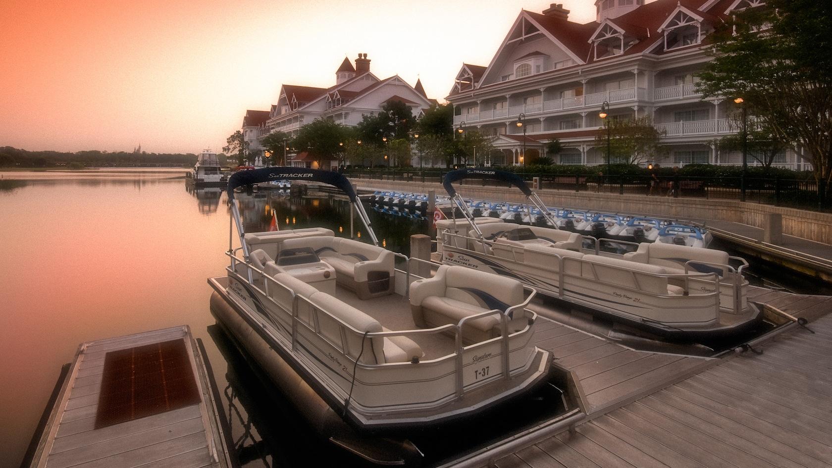 Pontoon Boat rentals returning to Walt Disney World Resort hotels