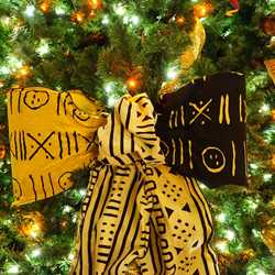 2014 Animal Kingdom Lodge holiday decorations