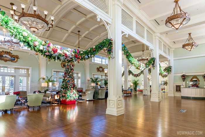 Disney's BoardWalk Inn holiday decorations 2020