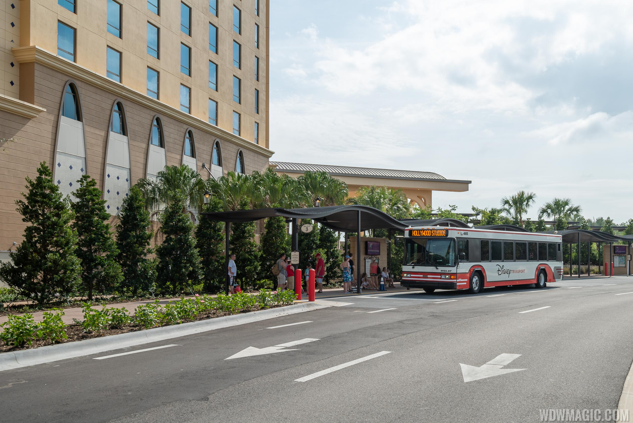 Disney's Coronado Springs Gran Destino - Bus Stops