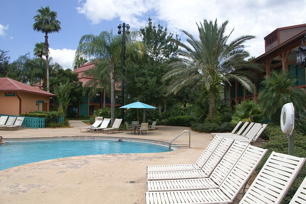 Cabanas quiet pool