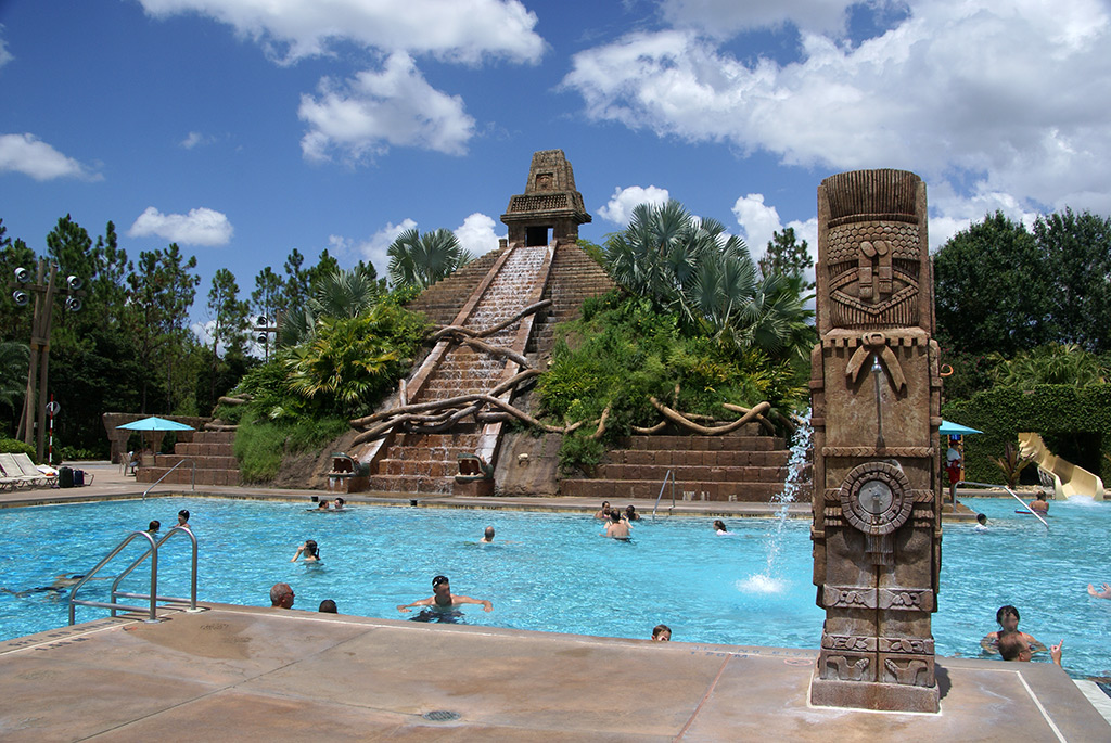 The Lost City of Cibola pool with the Jaguar Slide splash-down on the far right