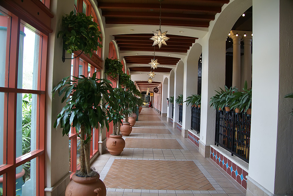 El Centro lobby and registration