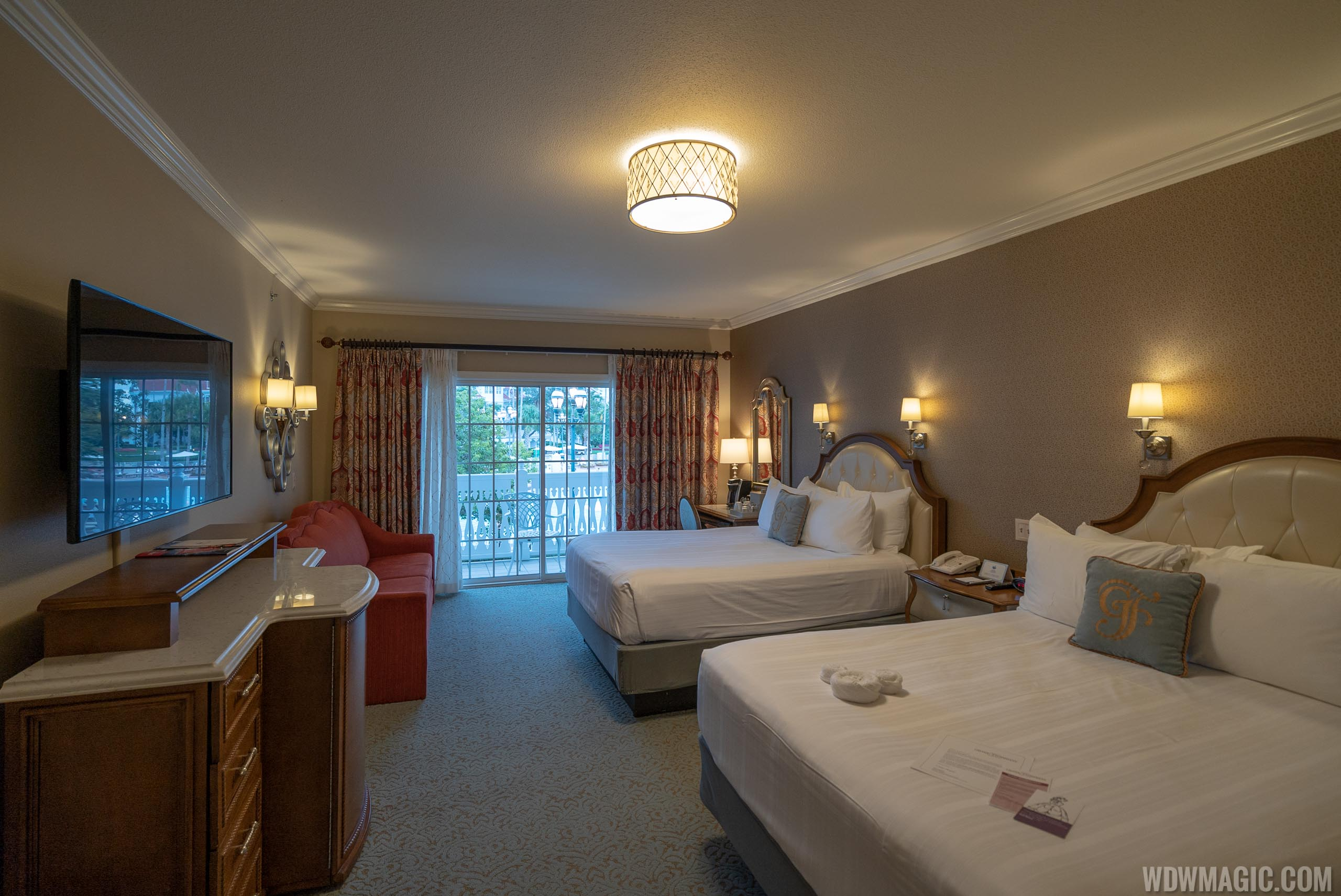 Grand Floridian Resort guest room - Garden View in Big Pine Key building
