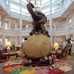2019 Grand Floridian Resort Easter Egg display