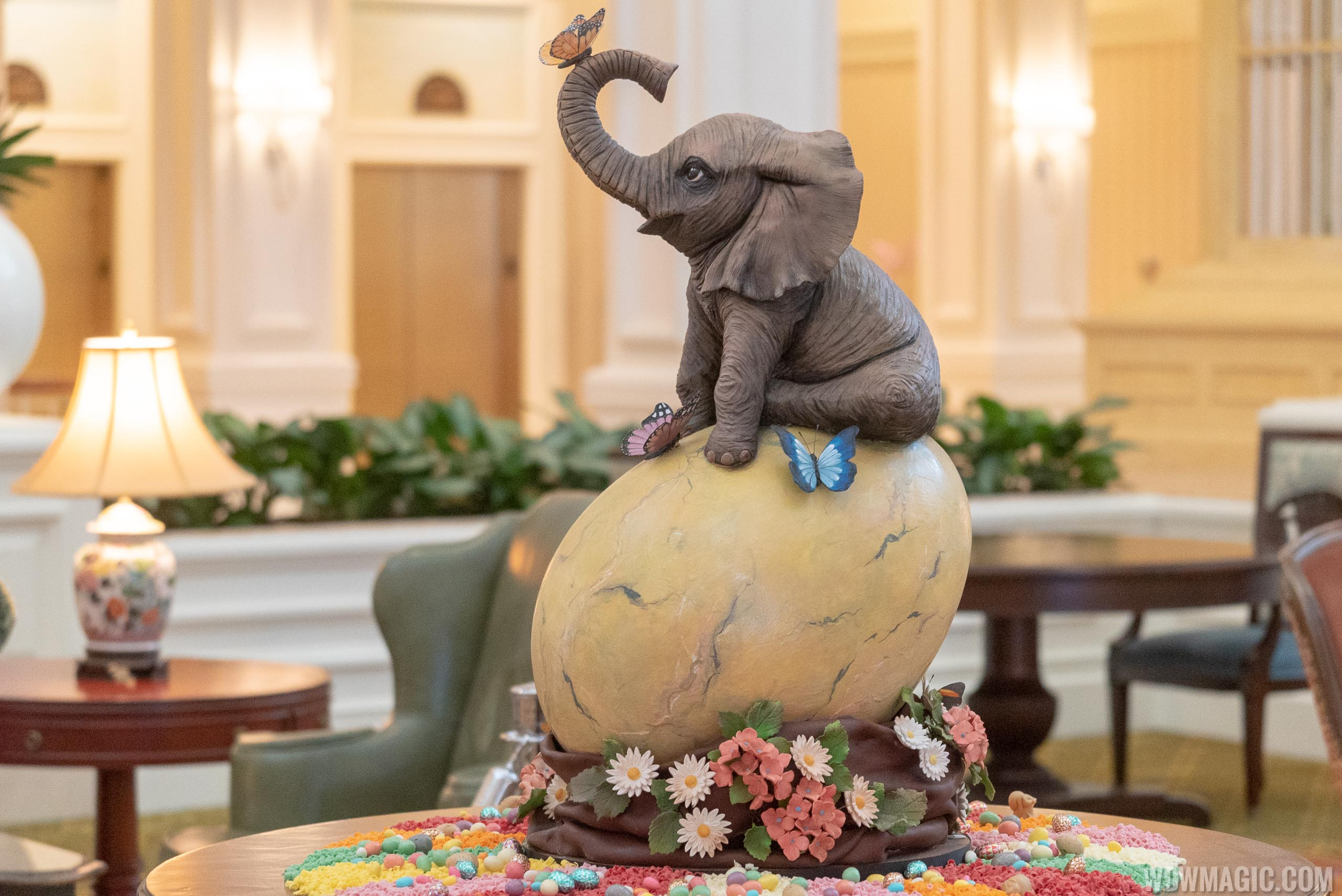 2019 Grand Floridian Resort Easter Egg display