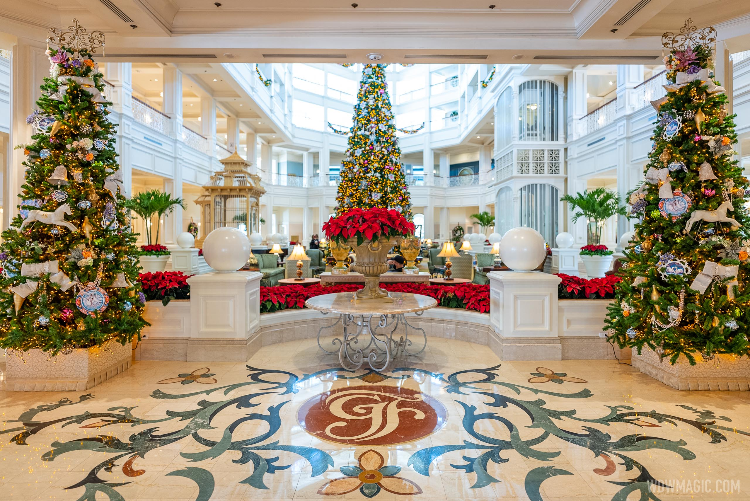 2020 Grand Floridian Resort Christmas decorations