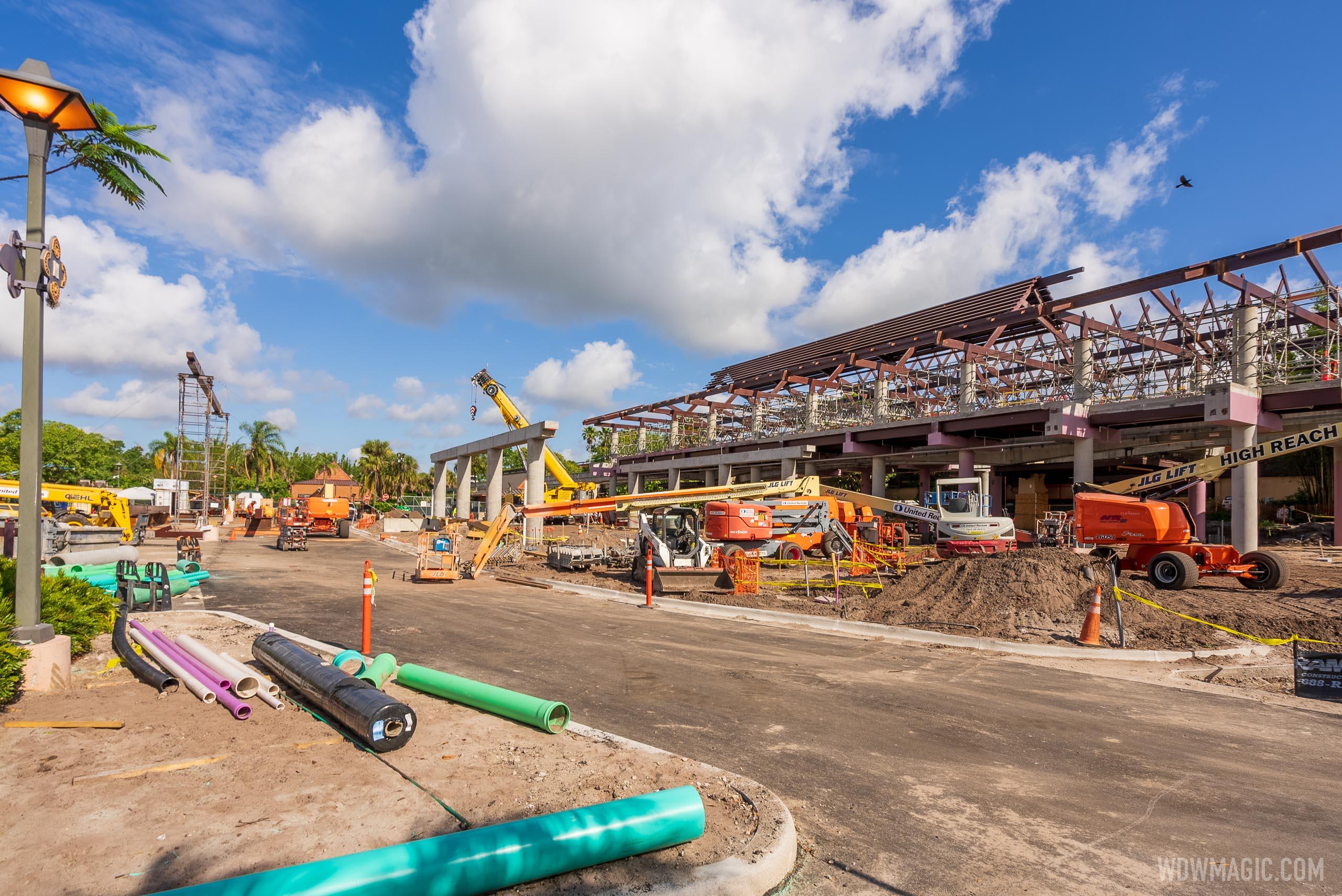 Disneys-Polynesian-Resort_Full_41949.jpg