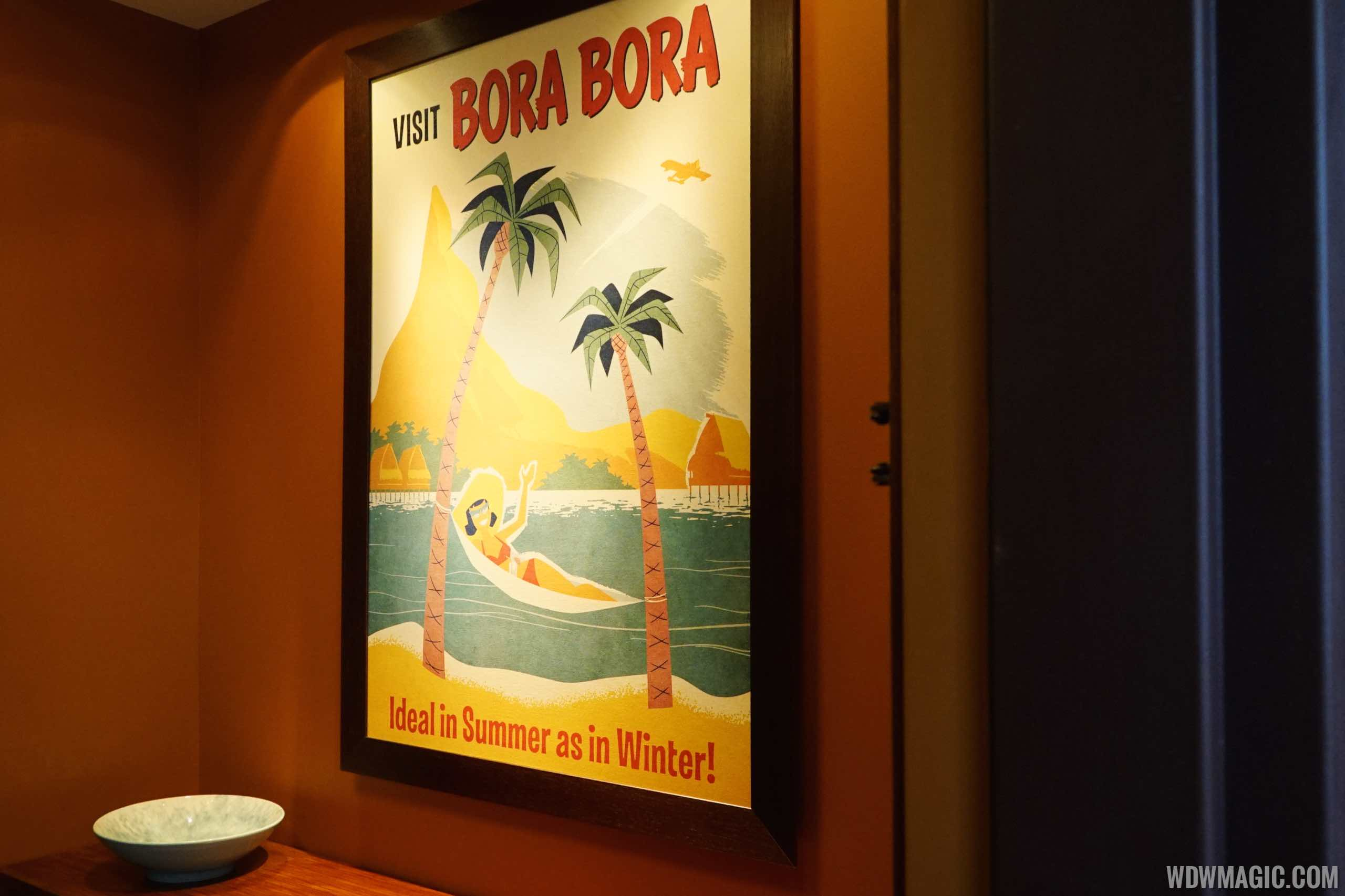 Tour inside a Disney\'s Polynesian Village Resort Bora Bora Bungalow ...