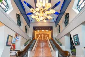 PHOTOS - A look at the recently refurbished entrance area at the Walt Disney World Dolphin Resort