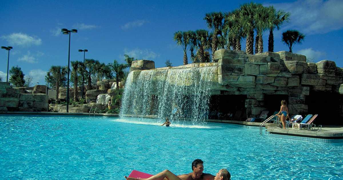 Walt Disney World Swan Resort Pool Photo 1 Of 1