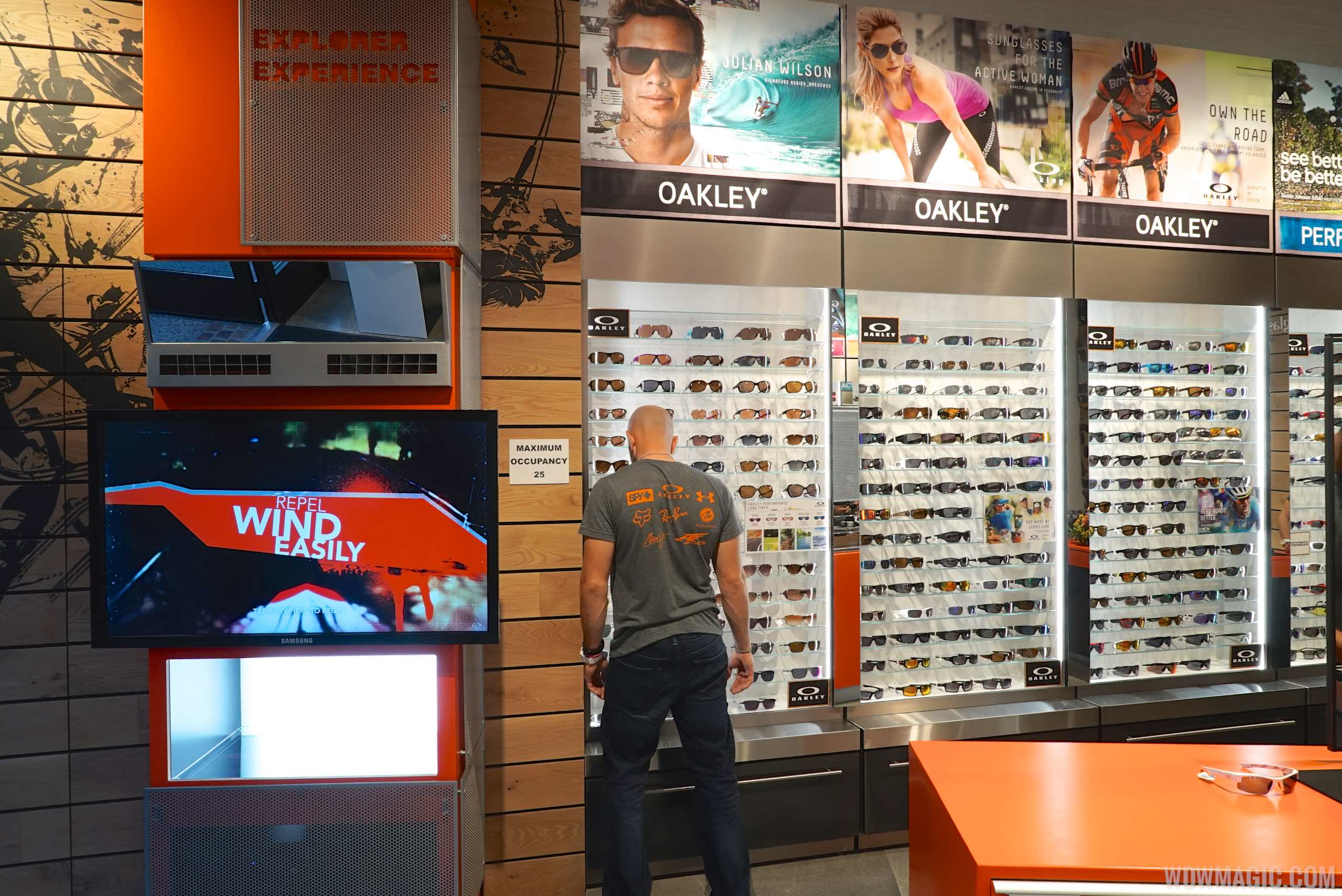 5aa0db6d4a APEX by Sunglass Hut overview - Photo 5 of 5