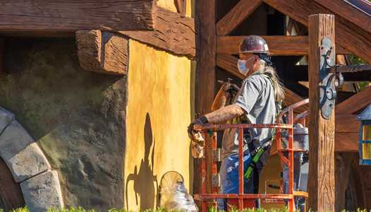 PHOTOS - Exterior refurbishment underway at Bonjour Village Gifts in New Fantasyland