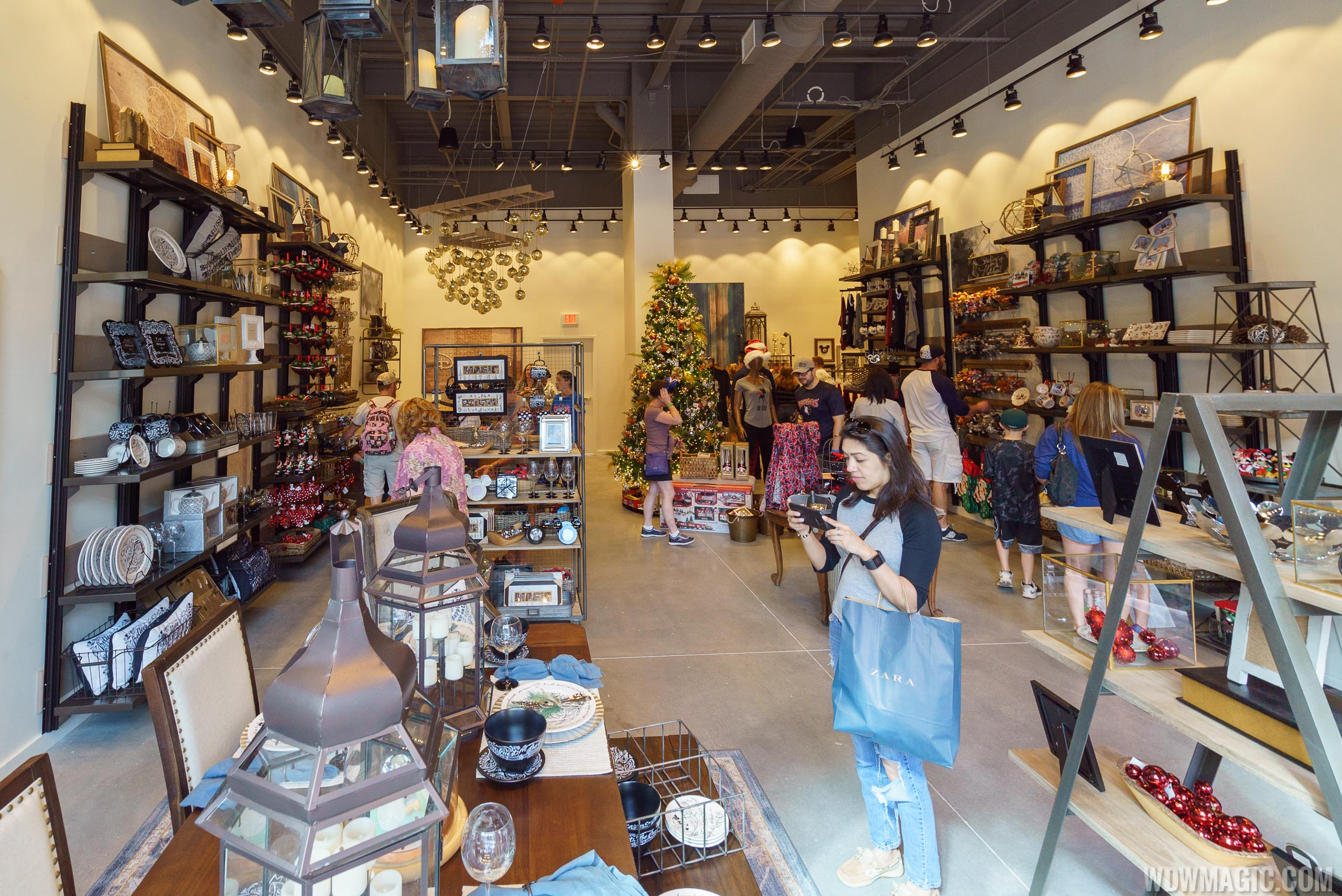 photos d living opens in the town center at disney springs