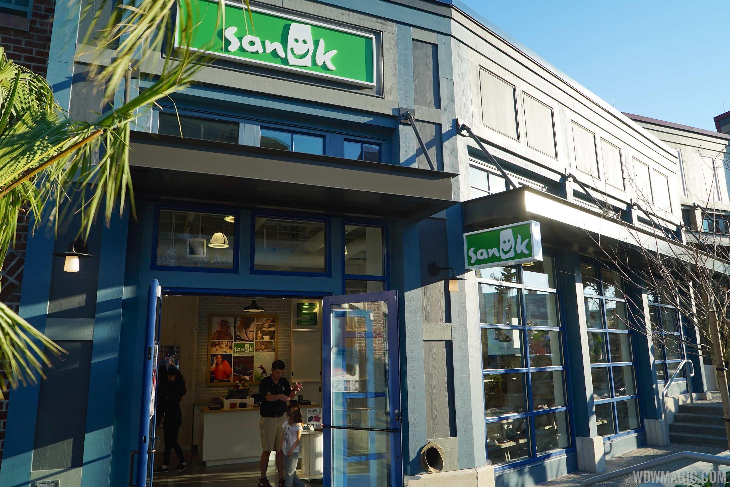 Sanuk - Store front