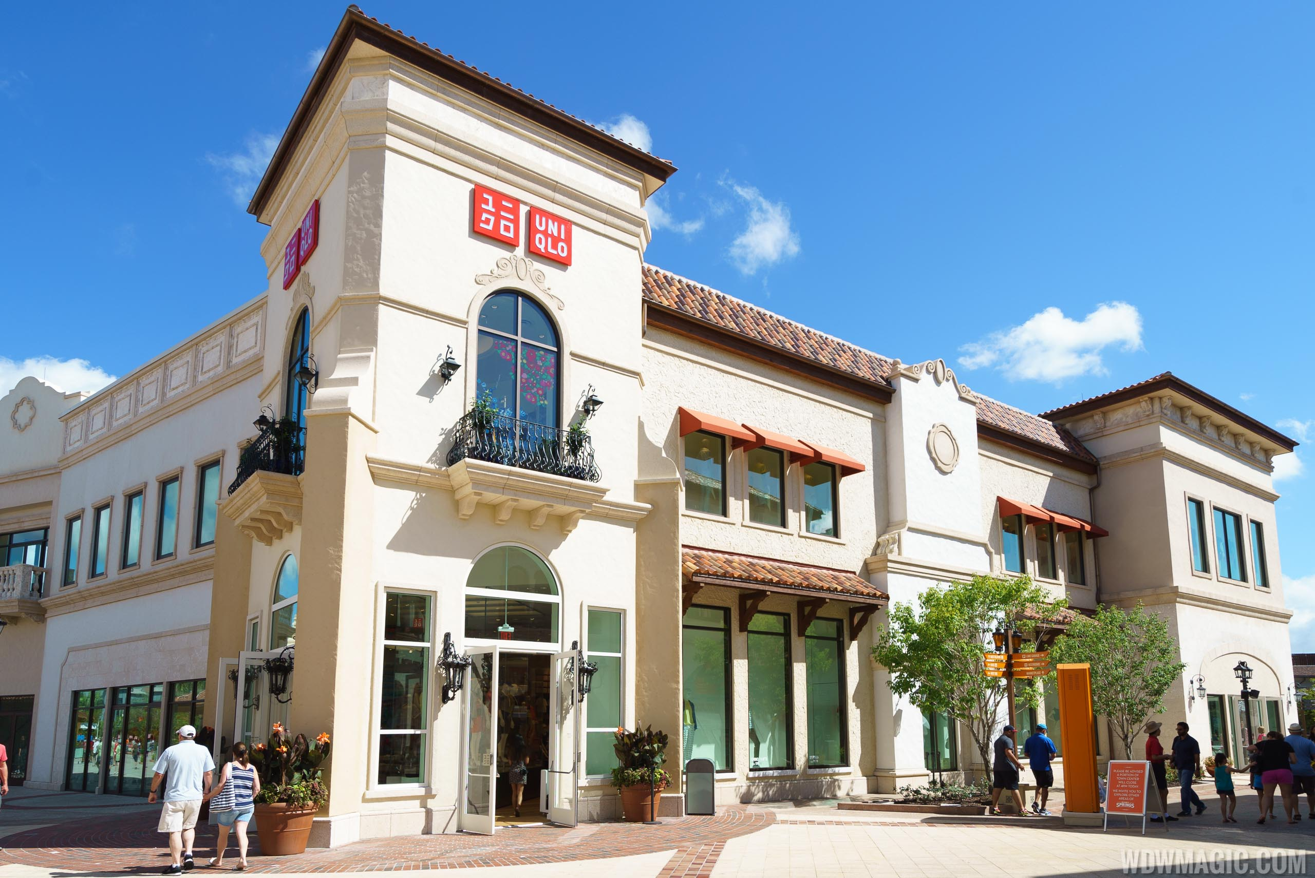 UNIQLO at Disney Springs overview