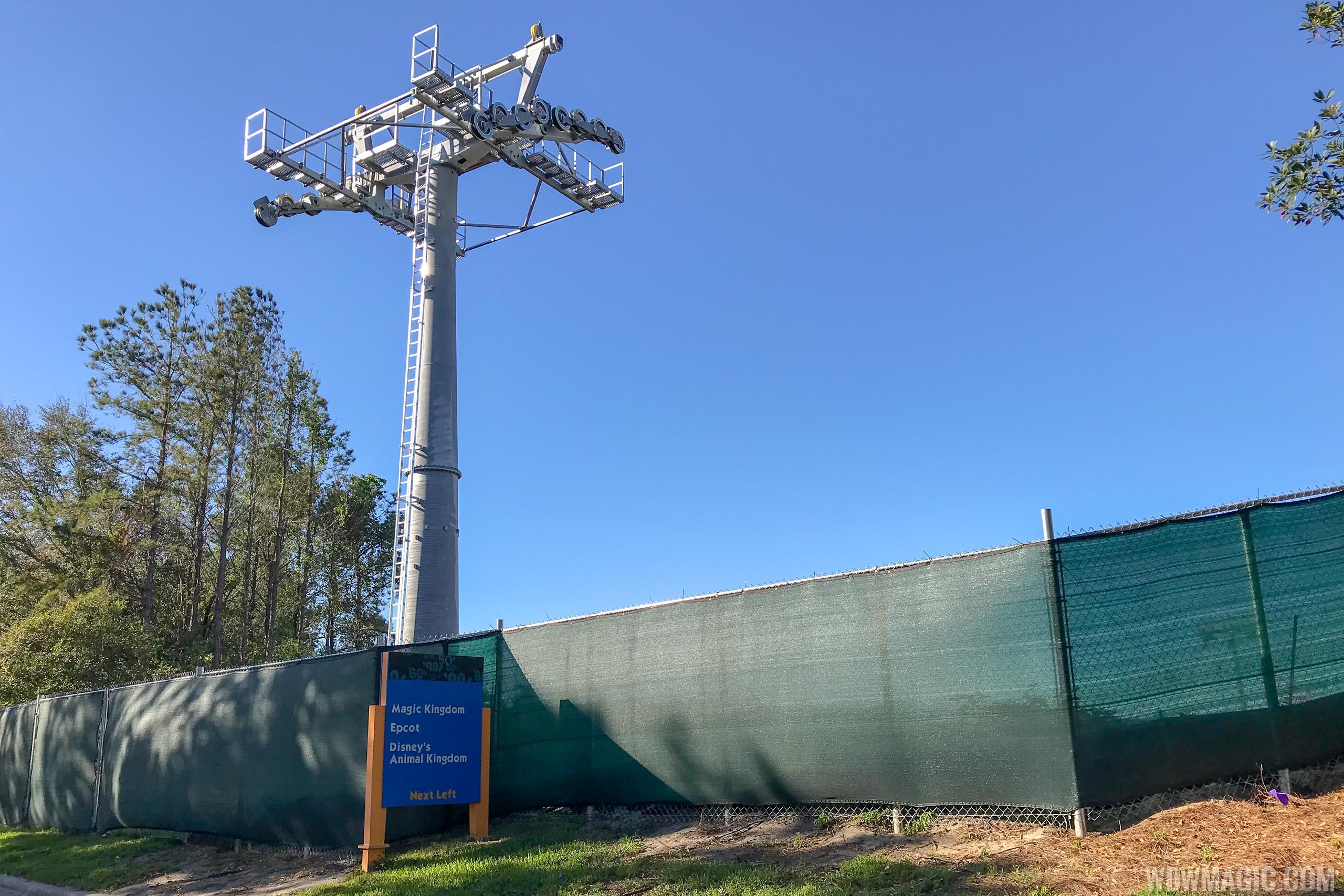 PHOTOS - Disney Skyliner gondola construction update