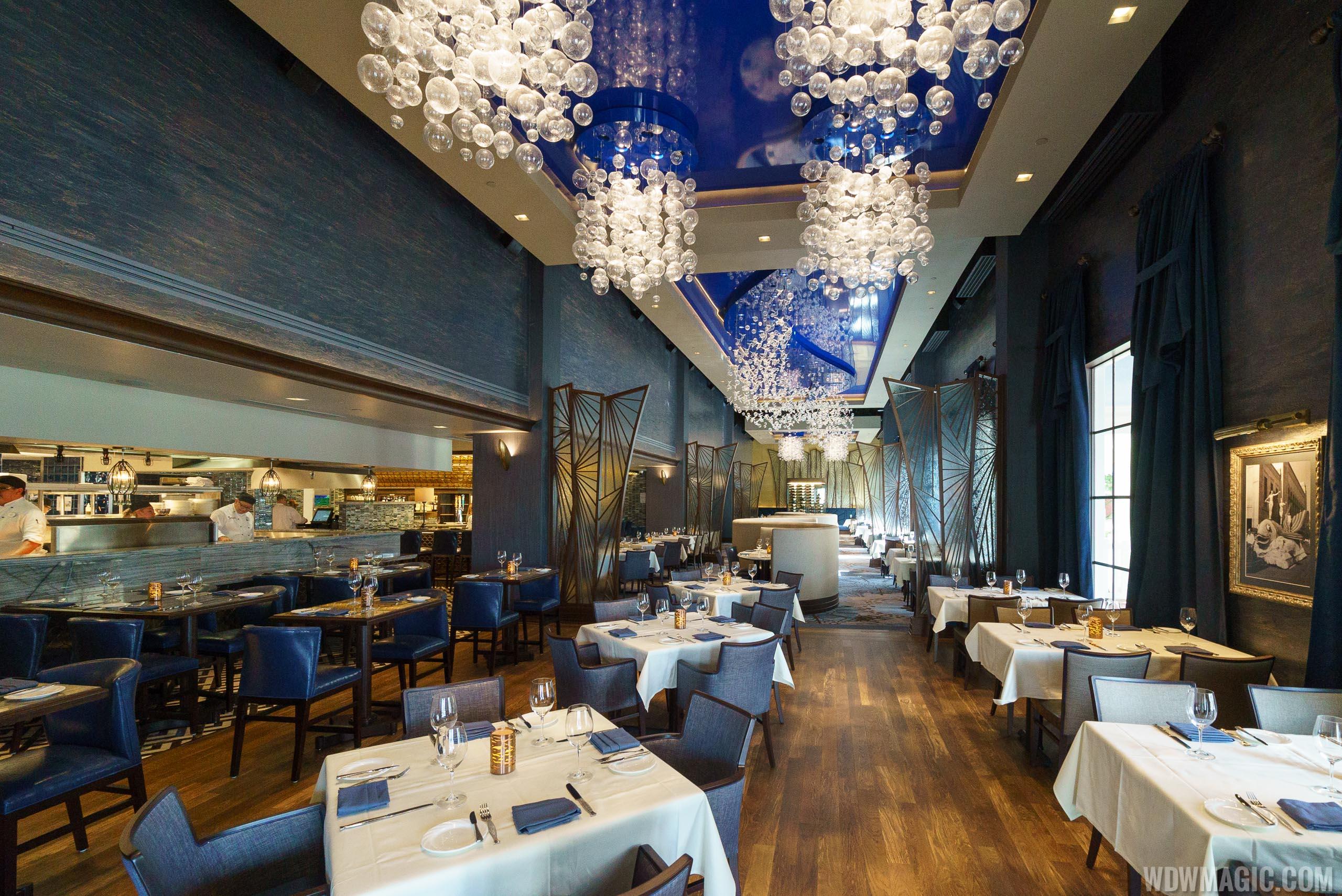 Disney dining experiences worth splurging on for Flying fish disney menu