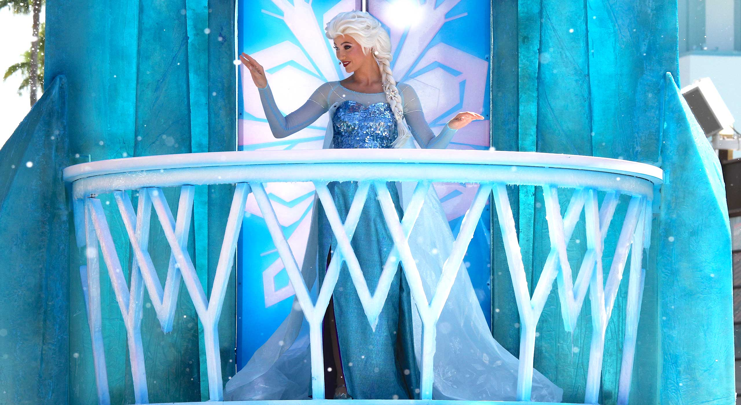 Queen Elsa in the Royal Welcome at Disney's Hollywood Studios