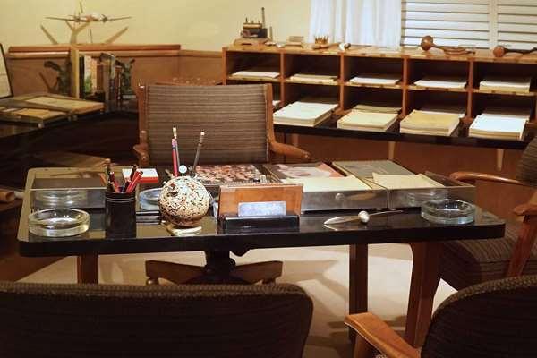 Walt's Desk at One Man's Dream
